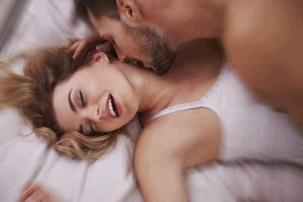 Αυτά είναι τα παράξενα πράγματα που σκέφτονται οι άντρες και οι γυναίκες κατά τη διάρκεια του σ3ξ! - SEX